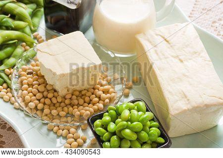 Taiwanese Tofu, Tofu Pudding, Soybean Pudding. Food
