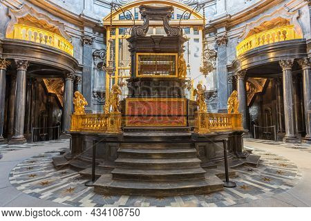 Turin, Italy - Circa August 2021: The Chapel Of The Shroud, 1694 By Guarini. One Of The Most Importa