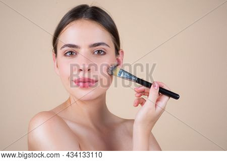 Beauty Woman With Natural Makeup, Fresh Beauty Model With Make Up Brush. Beautiful Female Wellness C