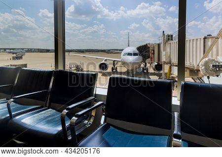 20 September 2021 Houston, Tx Usa: International Airport Interior Airport Lounge Gate Passenger Airp