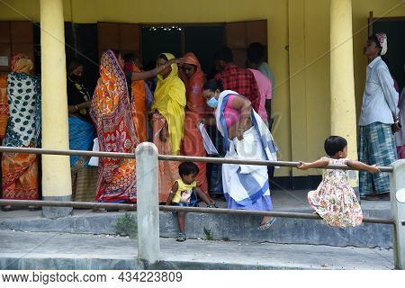 Beneficiaries Arrives To Receive A Covid-19 Vaccine Dose At A Vaccination Center On September 20, 20
