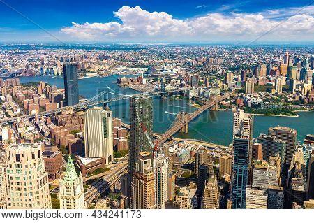 Panoramic Aerial View Of Brooklyn Bridge And Manhattan Bridge In New York City, Ny, Usa