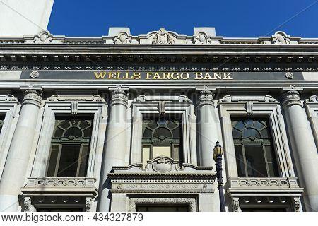 San Francisco - Mar. 15, 2014: Wells Fargo Bank In Historic Union Trust Company Building At 2 Grant