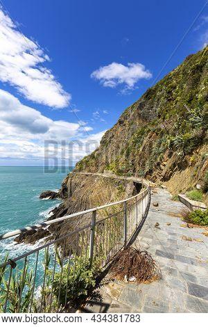 Azure Path (path Of Love), Walking Trail Leading Through Five Towns Of Cinque Terre, Liguria, Italia