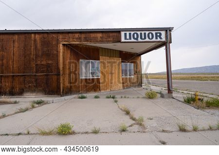 Jeffrey City, Wyoming - August 5, 2021: The Abandoned Liquor Store In The Ghost Town And Former Uran