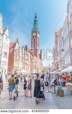 Gdansk, Poland - July 4, 2021: Long Lane With Tourists At The Main Town (old Town) At Summer Time In