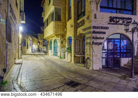 Safed, Israel - September 28, 2021: Evening View Of An Alley In The Jewish Quarter, The Old City Of