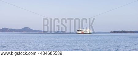 Salt Spring Island, British Columbia, Canada - August 23, 2021: Bc Ferries Passing By Gulf Islands D