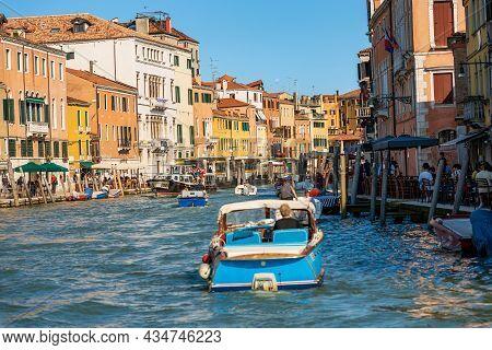 Venice, Italy - June 2, 2021: The Cannaregio Canal (canale Di Cannaregio), Crowded With Small Boats