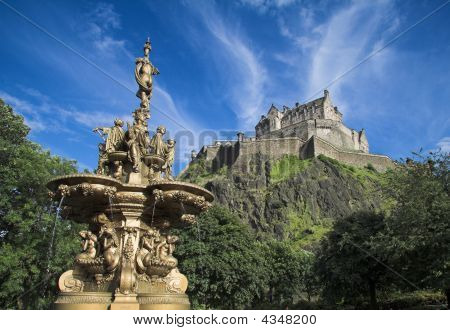 Edinburgh Castle From Princes St Gardens