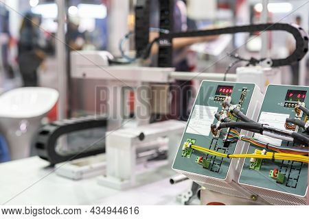 Programmable Logic Controller Plc Advanced Technology For The Control Of A Wide Variety Of Industria