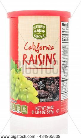 Winneconne, Wi -12 September 2021:  A Package Of Southern Grove California Raisins On An Isolated Ba