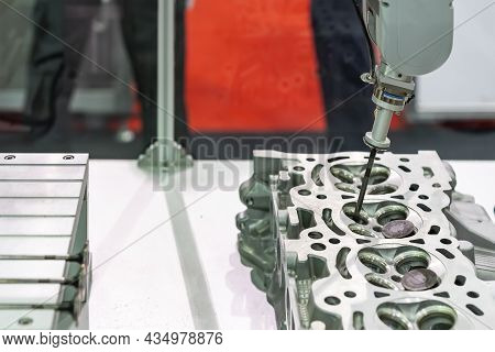 High Technology Accuracy Automatic Picking By Vacuum Sucker Suction During Assembly Intake Exhaust V