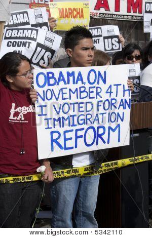 Obama Visit Demonstrators