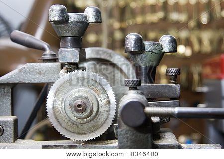 Locksmiths Machine