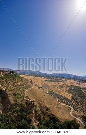 Berge, Valley und ein blauer Himmel