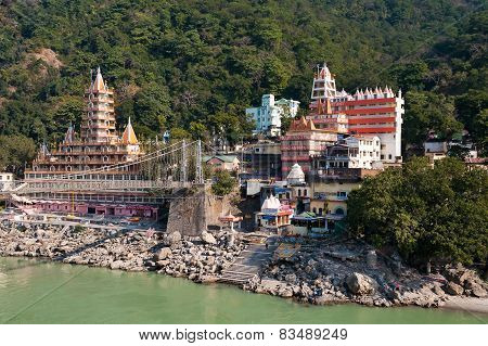 Tera Manzil Temple And Laxman Jhula Bridge Over Ganges River