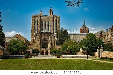 Yale University. College Hall.