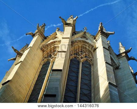 France, Cité Island, Paris, Sainte-Chapelle, the gargoyles, the sky, the trail from the aircraft