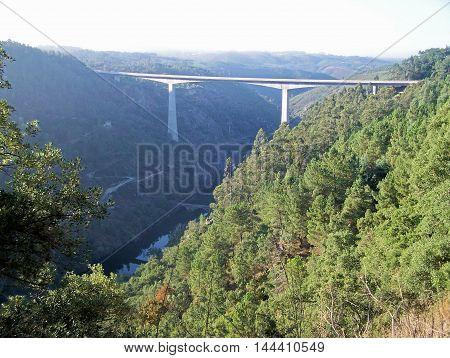 Beautiful view of the river and bridge (Pedrógão Grande/Pequeno - Portugal)
