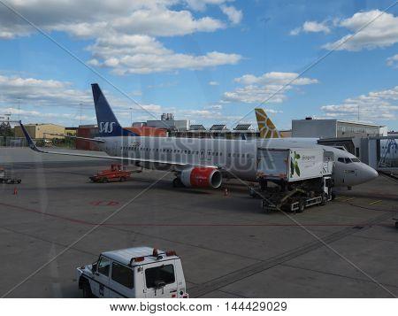 Sas Scandinavian Airlines Boeing 737-800