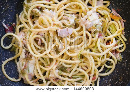 guitar spaghetti with zucchini steak ham and mozzarella cheese