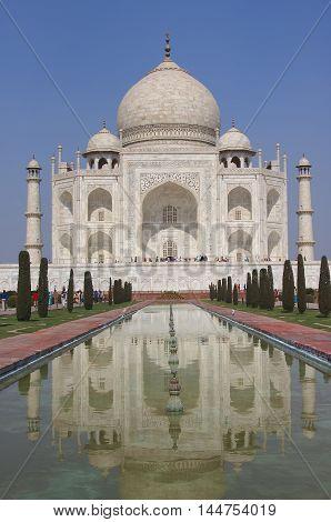 Taj Mahal ivory white marble mausoleum of Mumtaz mahal Shahjahan's wife in Agra, India