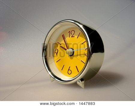Small Yellow Clock (Retro)