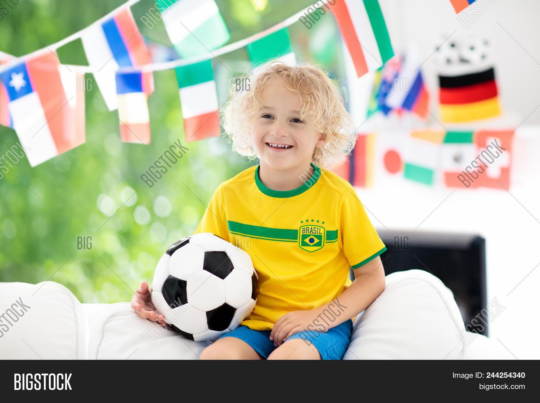 Fans Watch Football Image & Photo (Free Trial) | Bigstock