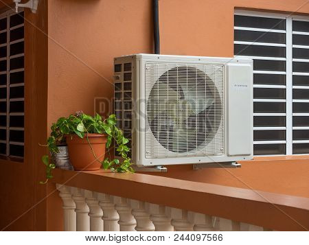 High Efficiency Modern Ac-heater Inverter Unit, Energy Save Solution-horizontal, Outside A Residenti