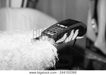 Payment With Credit Card. Edc Machine Or Credit Card Terminal For Cashless Payments. Credit Card Pay