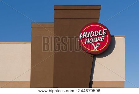 Tuscaloosa, Al/usa - June 6, 2018: Huddle House Restaurant Exterior Sign And Trademark Logo.