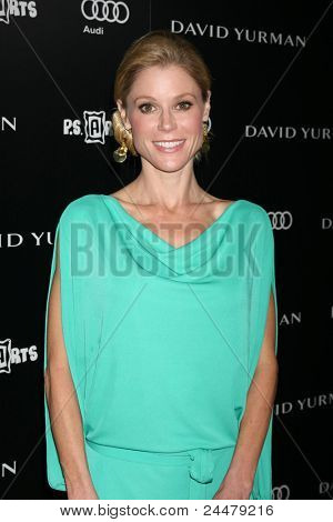 LOS ANGELES - OCT 18:  Julie Bowen arriving at the PS Arts 20th Anniversary Event at the Sunset Tower Hotel on October 18, 2011 in West Hollywood, CA