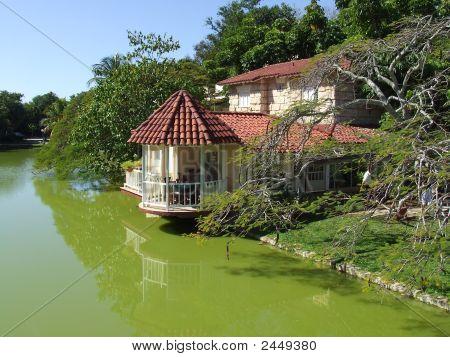 House At The Lake In Varadero Beach