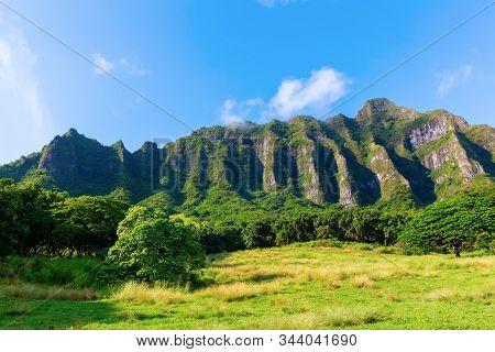 Mountain Chain On Oahu, Hawaii