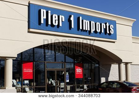 Indianapolis - Circa January 2020: Pier 1 Imports Retail Strip Mall Location. Pier 1 Imports Home Fu
