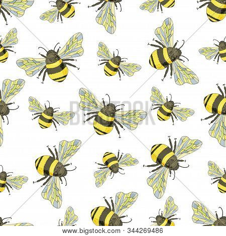 Seamless Pattern With Cute Bumblebees. Endless Texture For Your Design Fabric, Paper Ets.