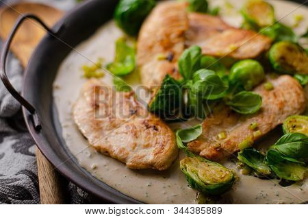Grilled Chicken With Garlic Cream