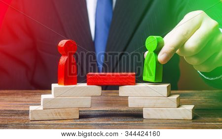 The Man Provides The Conditions For Negotiations And Conflict Resolution Between Opponents. Build Br