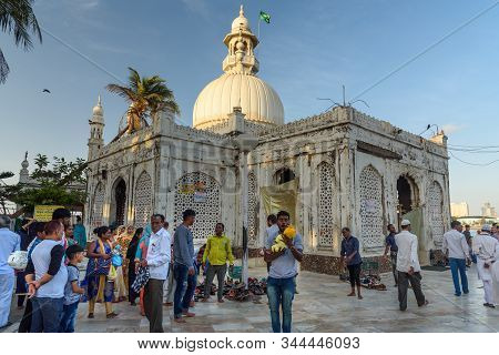 Mumbai, India - February 27, 2019: Haji Ali Dargah Mosque And Tomb On Islet Off The Coast Of Worli I