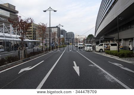 Kyoto, Japan- 24 Nov, 2019: Traffic Condition Of Kyoto Near The Kyoto Train Station, Japan. Kyoto Se