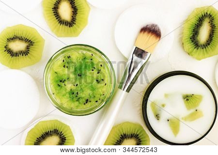 Homemade Kiwi Facial Mask Mixed With Soothing Cream, Fruit Therapy For Beauty Care And Healthy Skin.