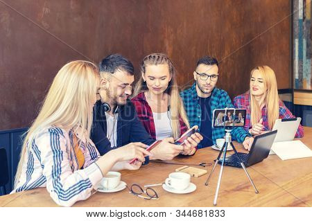 Best Mobile Smart Phones Review By Popular Young Vloggers And Social Media Influential Marketing Peo