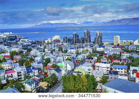Colorful Red Green Blue Houses Houses Apartment Buildings Cars Bus Streets Ocean Reykjavik Iceland