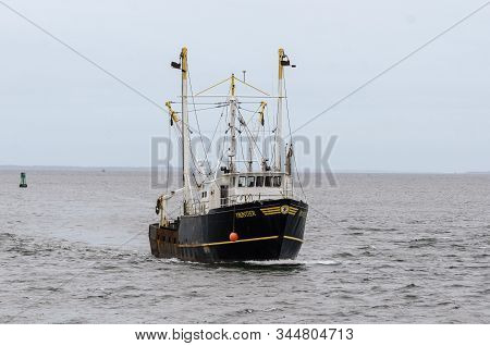 New Bedford, Massachusetts, Usa - January 13, 2020: Commercial Fishing Boat Frontier Crossing New Be