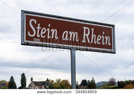 Stein Am Rhein, Switzerland - October 2019: Signpost Written Stein Am Rhein Installed At The Pier On