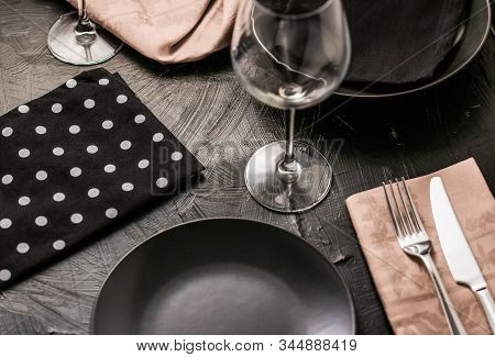 Empty Tableware With Beige Napkin, Food Styling Plating Props, Deluxe Set For Wedding, Event, Date,