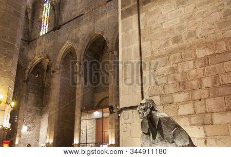 Barcelona, Spain - Dec 29th 2019: Ignatius Of Loyola Statue At Gothic Basilica Of Santa Maria Del Ma