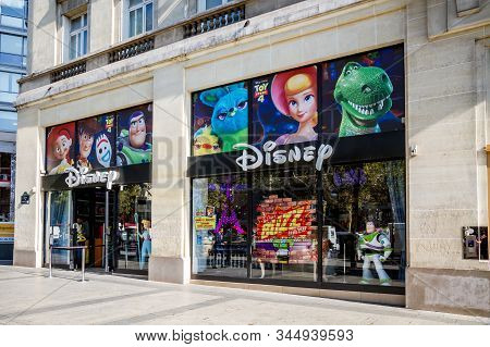 Paris/france - September 10, 2019 : The Disney Store Entrance On Champs-elysees Avenue