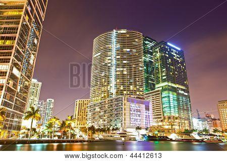 Stadt von Miami Florida bunte Nacht Panorama der Innenstadt